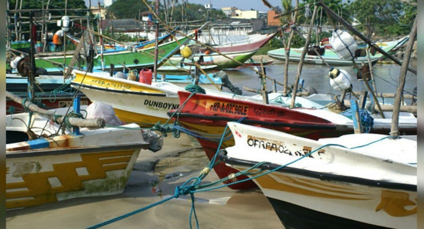 Indian fishing boat washed ashore at Dehiwala