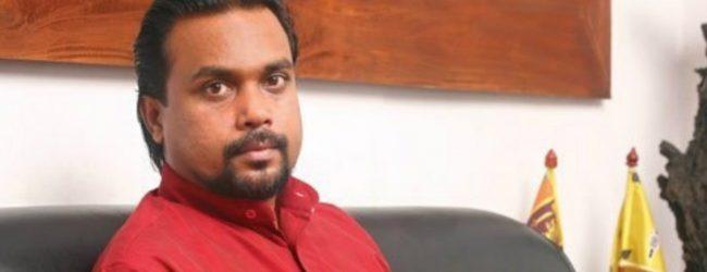 Wimal Weerawansa calls on Malwatte Mahanayake and discusses US agreements