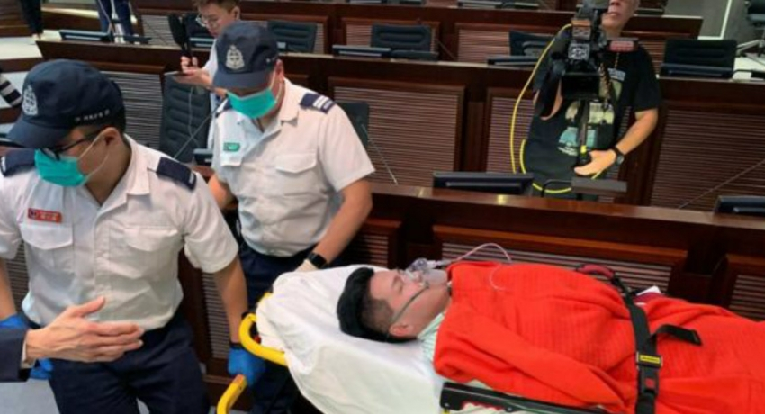 Brawl in Hong Kong parliament over extradition law