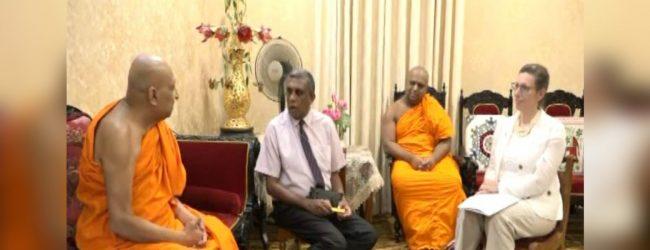 Malwatte Mahanayake questions US Ambassador on defence agreement