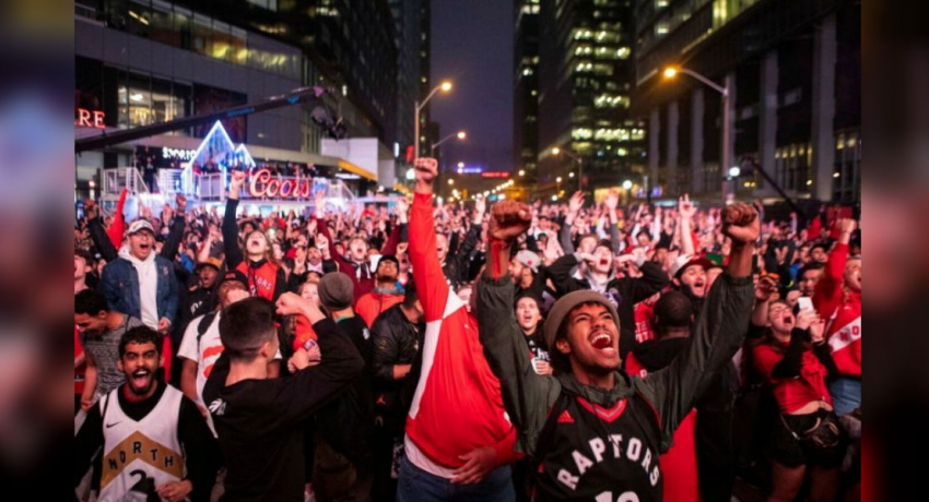 Toronto Raptors fans party in street after reaching NBA finals