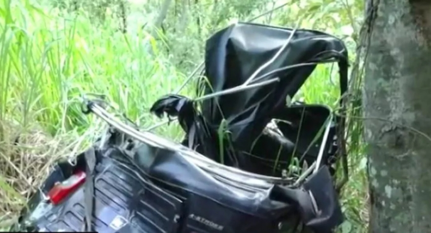 Three-wheeler falls off 350 ft precipice: Two dead and four injured