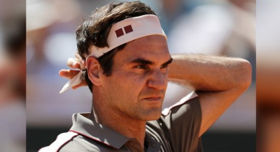 Roger Federer closes in on 10th Halle title