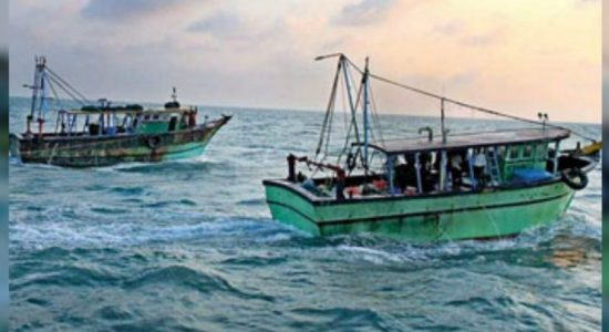 Stranded trawlers begin journey from Maldives