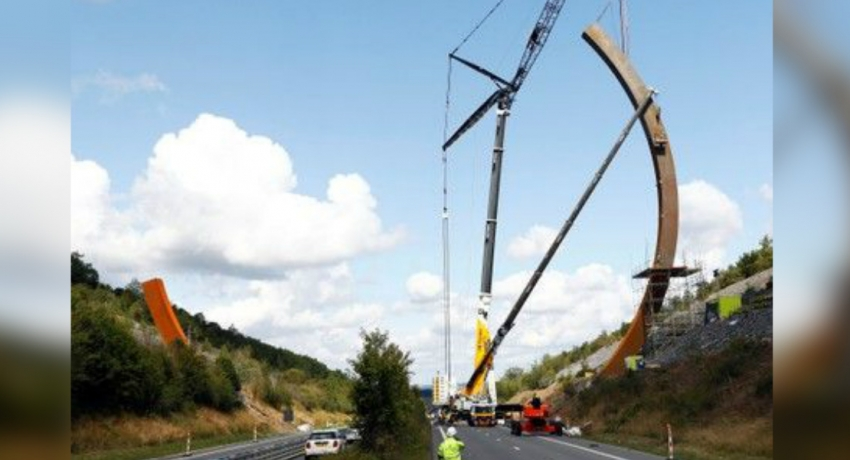 World's biggest sculpture takes pride of place on Belgian highway