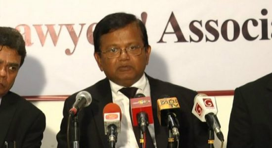 Chairman of United Lawyers' Association requests Ranil to step down as UNP leader
