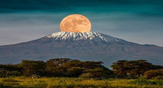 Two Sri Lankans conquer Mt.Kilimanjaro