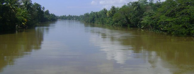 Water level of Kalu Ganga remains at minor flood level