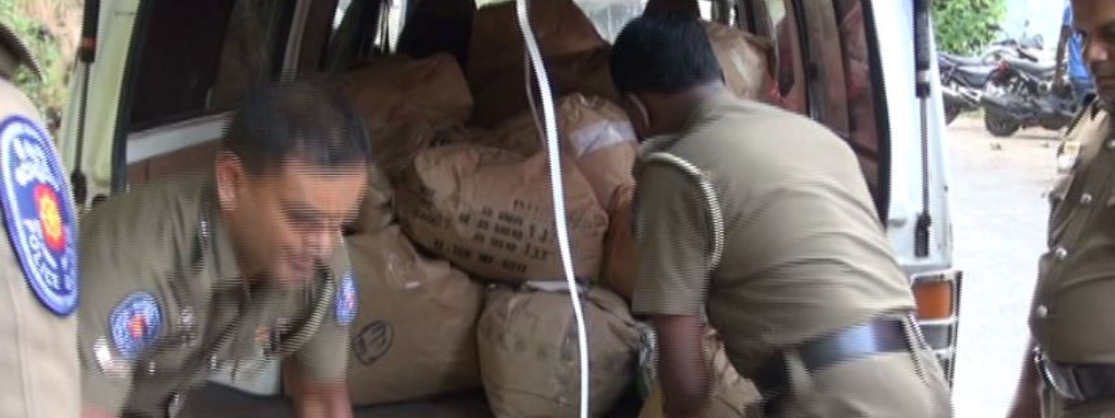 Suspect arrested with 1859 kg of refuse tea