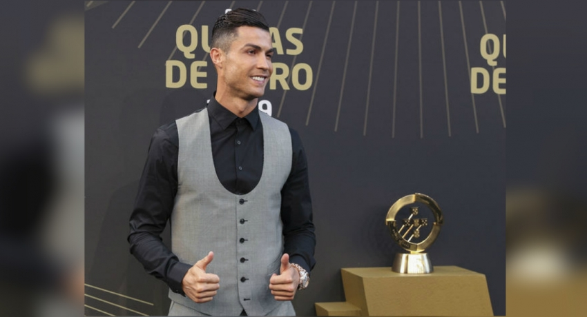 Cristiano Ronaldo named player of the year at Quinas Awards
