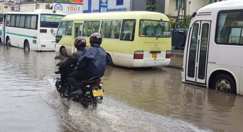Roads in Colombo inundated due to rainy conditions