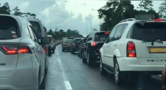 Six vehicles collide with each other along the Southern expressway