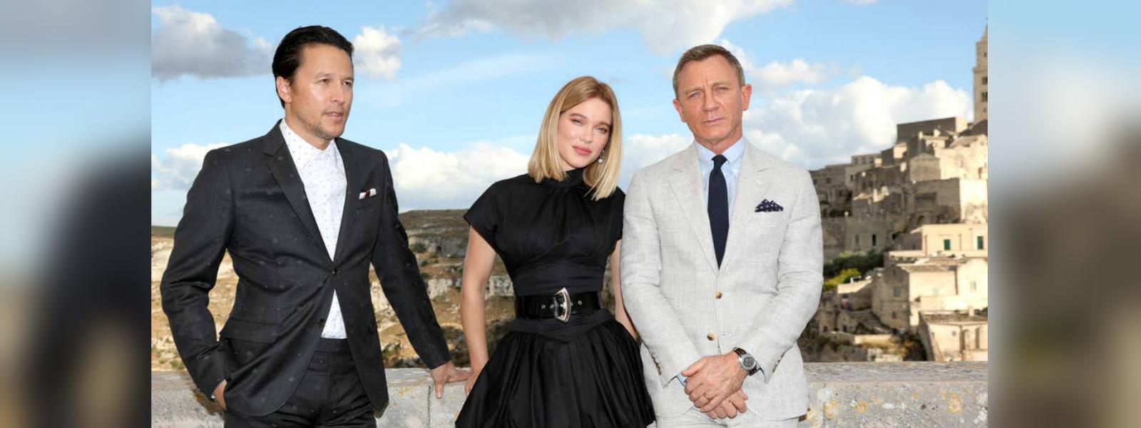 Daniel Craig arrives in Italy for new James Bond film