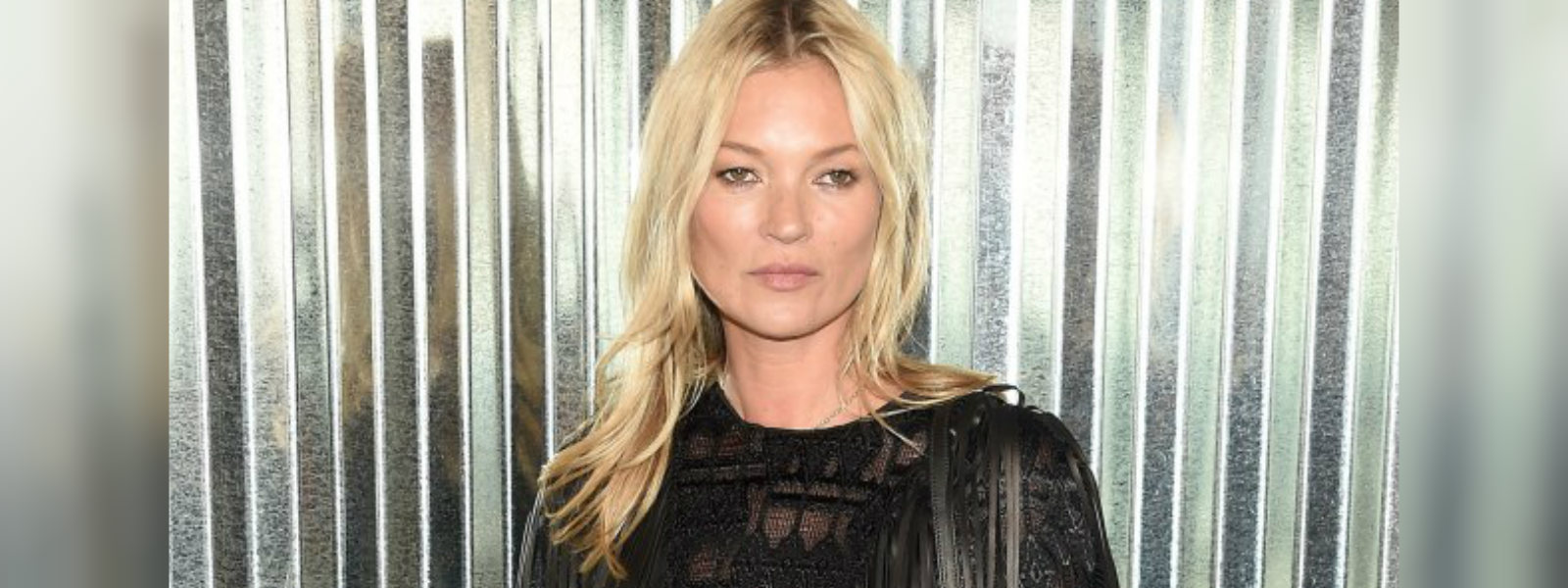 Kate Moss picks up her Style Icon honor at the Daily Front Row Awards