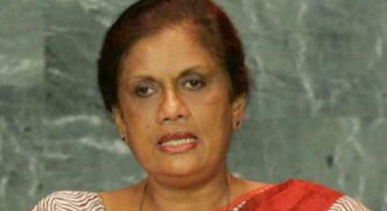 Former president Chandrika Bandaranaike requests Dayasiri Jayasekara not to destroy the SLFP