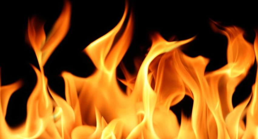 Fire erupts at a technical office in Polonnaruwa