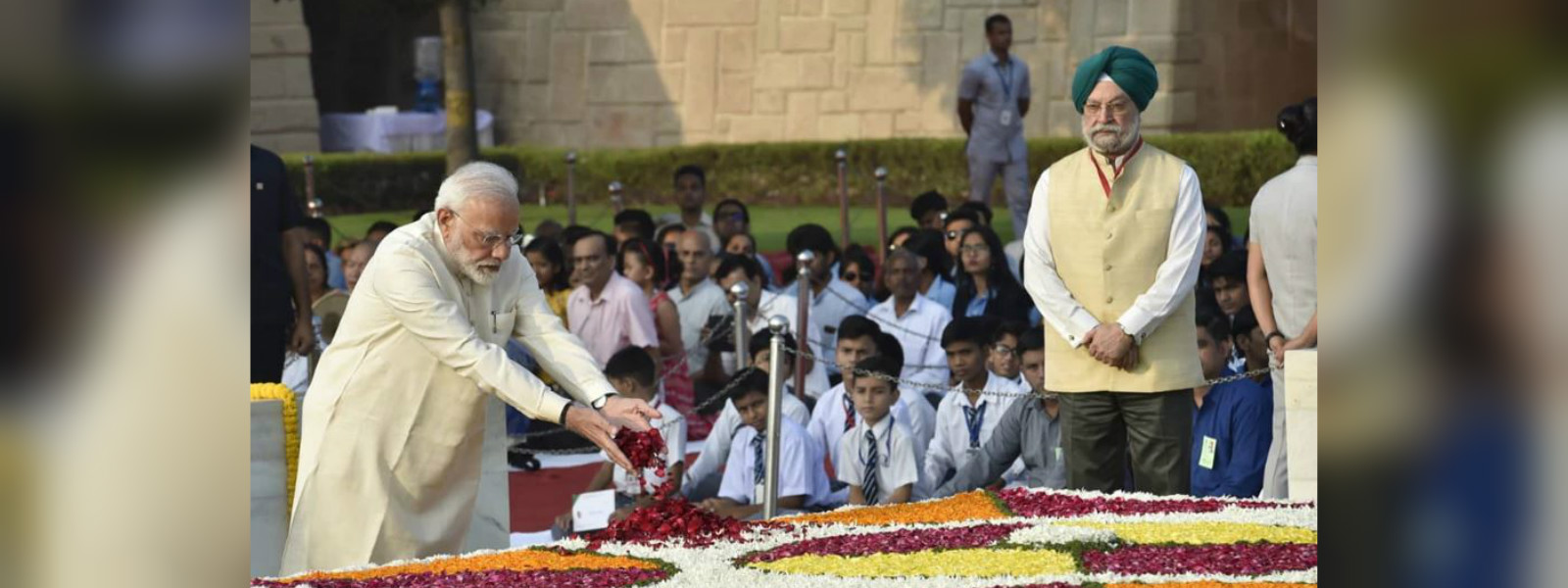 India PM leads nation in Mahatma Gandhi tributes