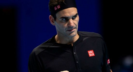 Federer rebounds with win over Berrettini