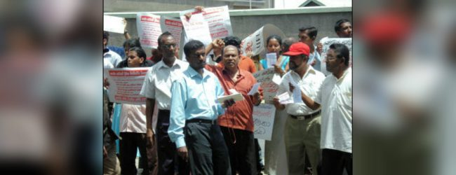 Paramedical and Supplementary service officials in Southern province on strike
