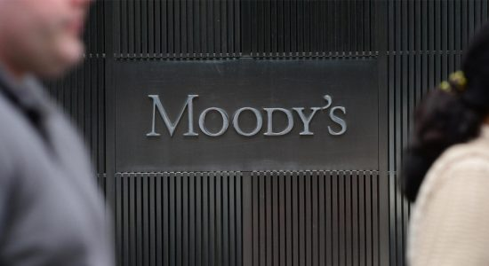 Moody's downgrades global sovereign outlook for 2020 to negative