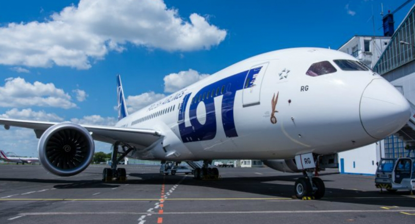LOT Polish Airlines Boeing 787-8 Dreamliner grounded in Colombo