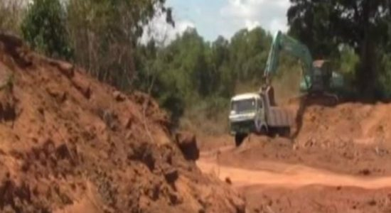 Illegal sand miners flee due to protest by locals