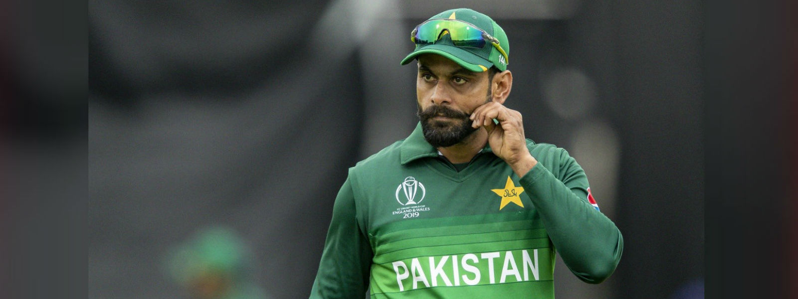 Pakistani all rounder Mohammad Hafeez banned from bowling