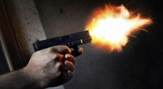 Police opens fire at a prison escapee