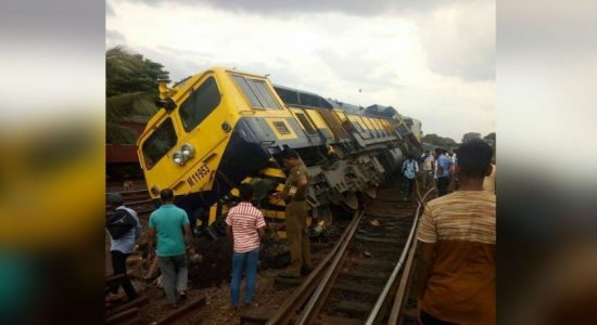Train derailed in Maradana