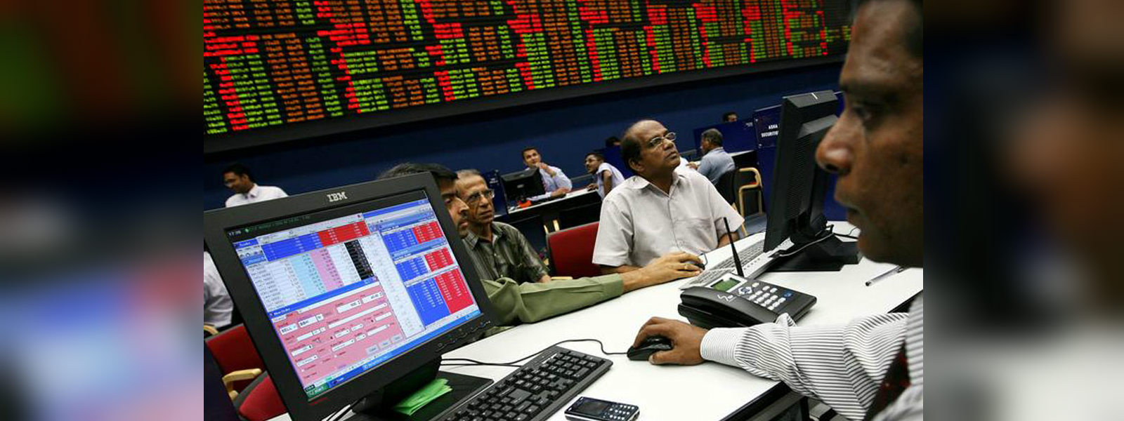 Colombo stocks end firmer as investors buy risky assets