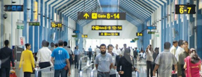 25 Sri Lankan students return from China
