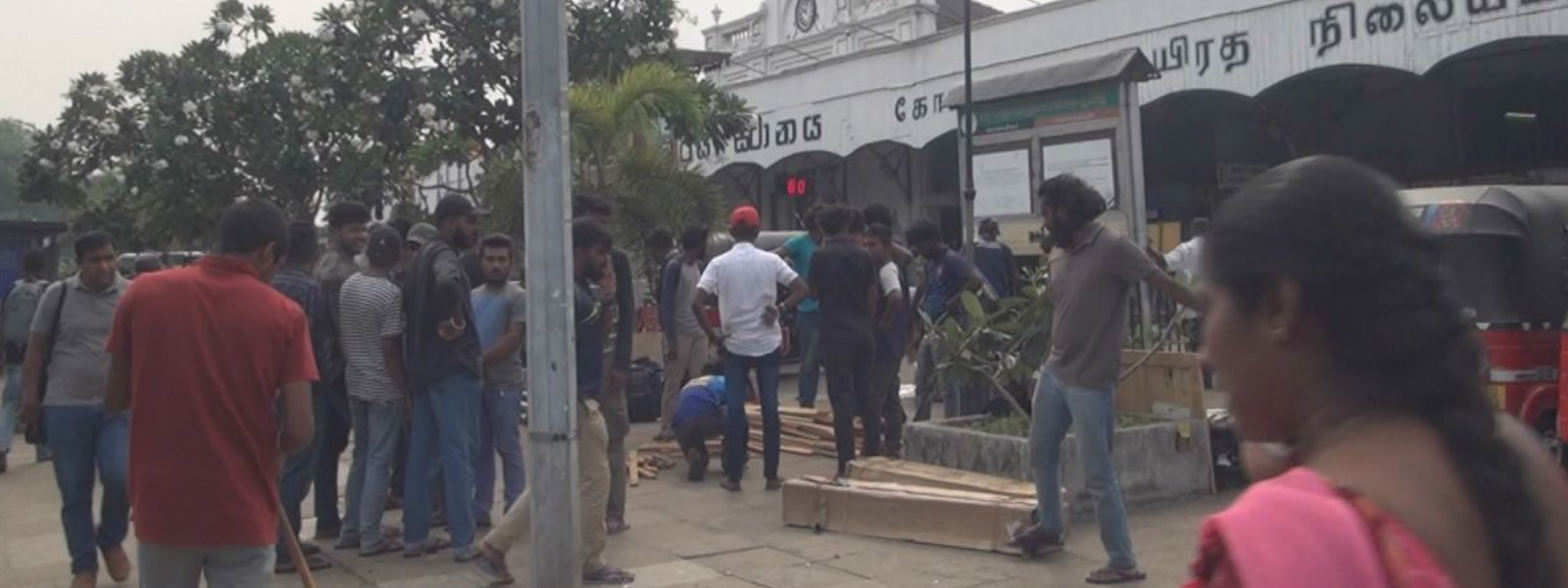 Fast by University students called off after 6 days