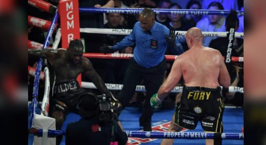 Tyson Fury knocks out Deontay Wilder to win WBC heavyweight title