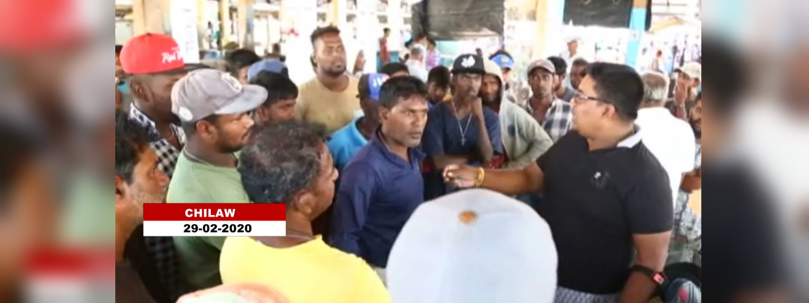 Tense situation at main fish market in Chilaw