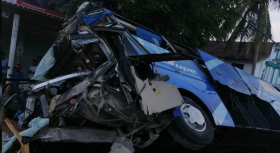 1 dead and 19 injured in bus accident