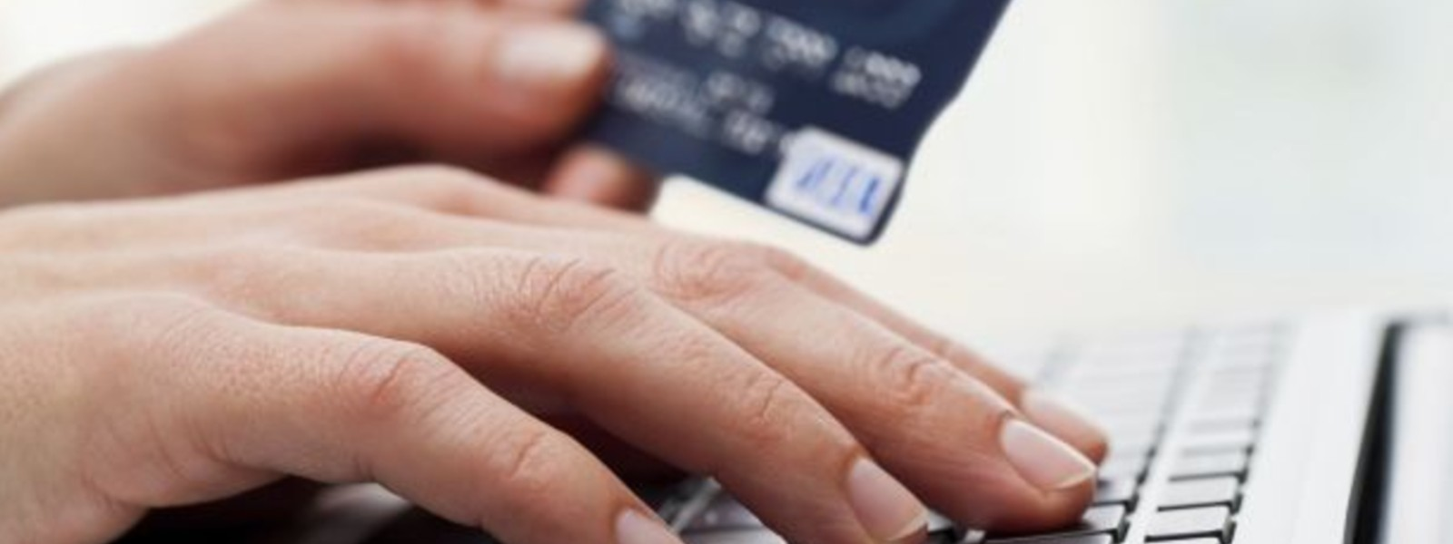 Only use your credit card to make purchases from a reliable website; SL-CERT