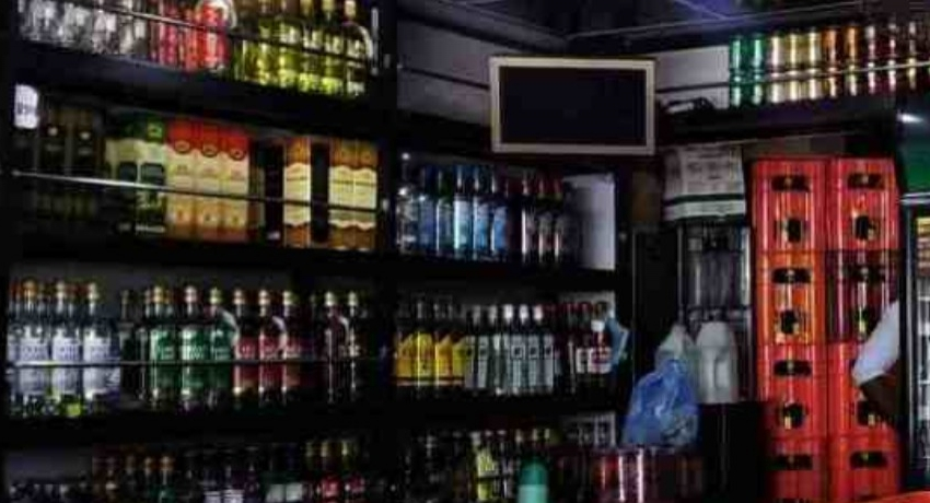 Retail Liquor License owners given permission to re-open bars