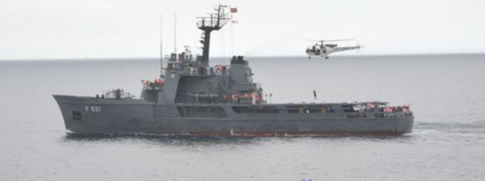 Sri Lanka Navy Ship Samudura deployed to assist distressed Fishing Trawlers