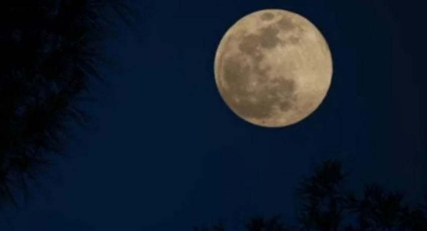 Penumbral Lunar Eclipse over Sri Lankan sky tonight