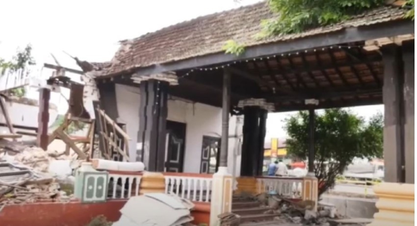Kurunegala Mayor urged to resign over King's assembly hall demolition