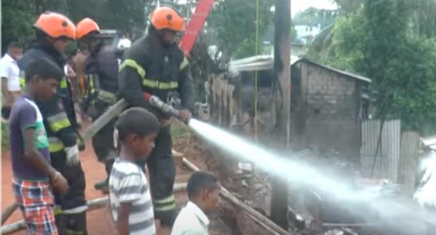 Fire reported in Kelaniya – 03 houses damaged