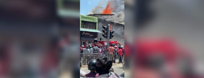 Fire erupts in Wellawatte