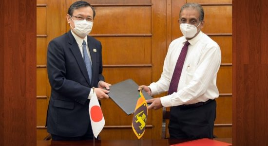 Japan grants Rs. 1,400 Mn worth medical equipment to combat COVID-19