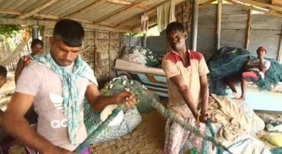 Villagers of Uchchimunai in Kalpitiya complain about difficulties in voting