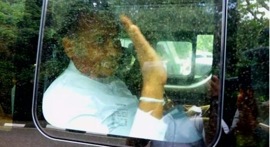 Premalal Jayasekera, who is on death-row, escorted to Parliament