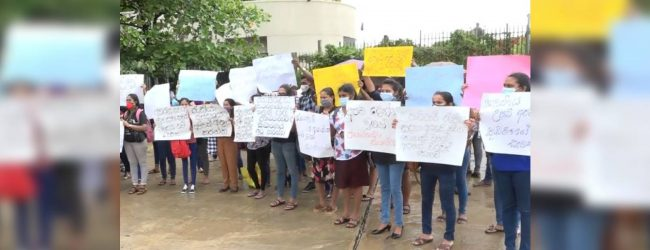 Protests held in Colombo over employment, import restriction issues