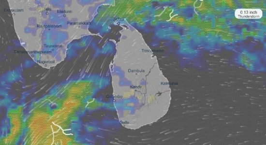EXTREME WEATHER : TORRENTIAL DOWNPOUR SLAMS COLOMBO