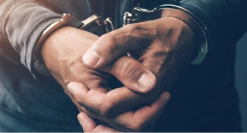 MUNICIPAL COUNCILORS ARRESTED FOR SOLICITING BRIBE