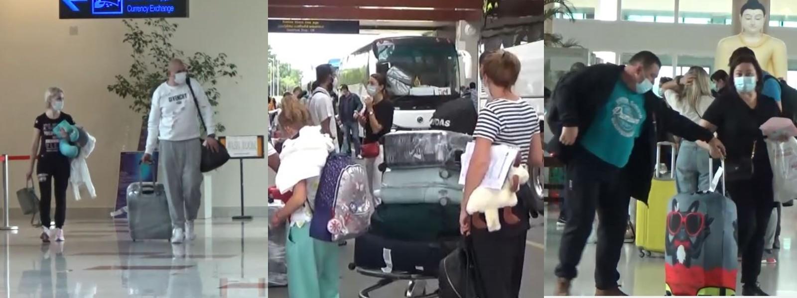 165 UKRAINIAN TOURISTS ARRIVE IN SRI LANKA