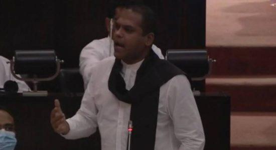 Harin to wear black shawl to parliament